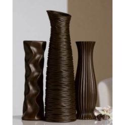 Barna kerámia váza különböző díszítéssel és magassággal