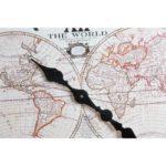 Falióra világ térképes fekete és fehér2