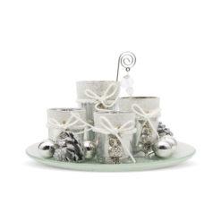 4 db-os ezüst színű gyertyatartó szett üvegtálon
