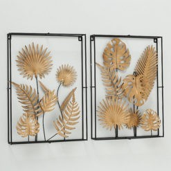 Arany színű leveleket formázó fémből készült fali dekoráció