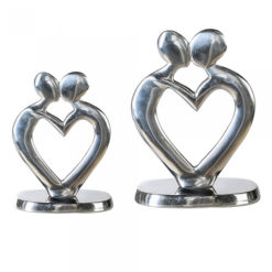 Polírozott alumínium páros szobor szív alakban