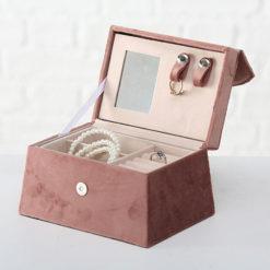Rózsaszín ékszertartó doboz